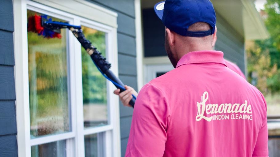 exterior home window cleaning